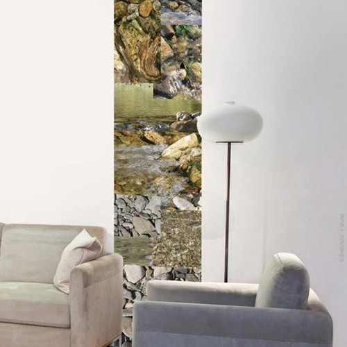 Autocollant mural galets de rivière mis en ambiance sur un mur blanc