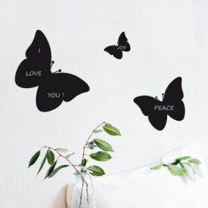 Décoration murale avec 3 stickers ardoise tableau noir papillons.