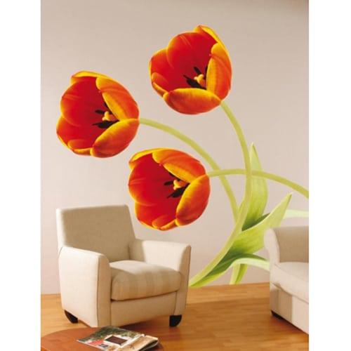 Tulipe Courbée en autocollant géant dans un mur de salon
