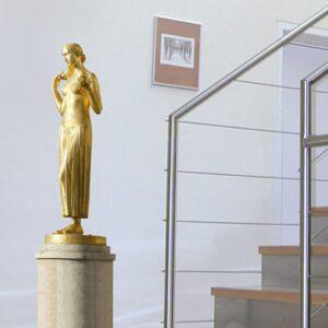 sticker mural sculpture femme dorée