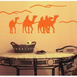 Autocollant mural caravane de Dromadaires au-dessus d'une table à manger