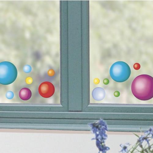 Décoration électrostatiques pour vitres et fenêtres Balles colorées sur une vitre