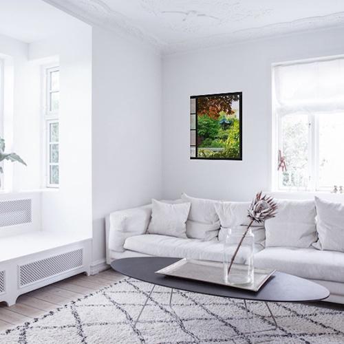 Sticker fenêtre Akita dans un salon blanc
