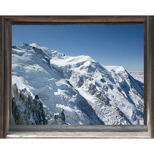Déco de chalet de montagne avec une fausse fenêtre adhésive en trompe-l'oeil