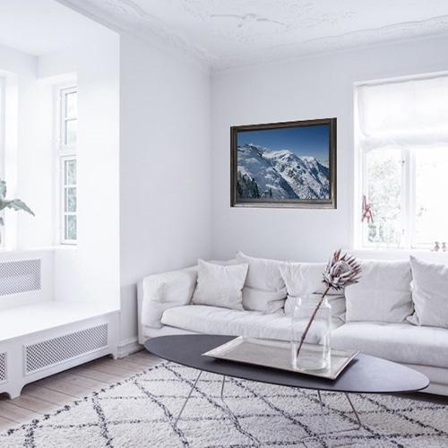 Trompe l'oeil de fausse fenêtre avec vue sur la Montagne mis sur un mur de salon
