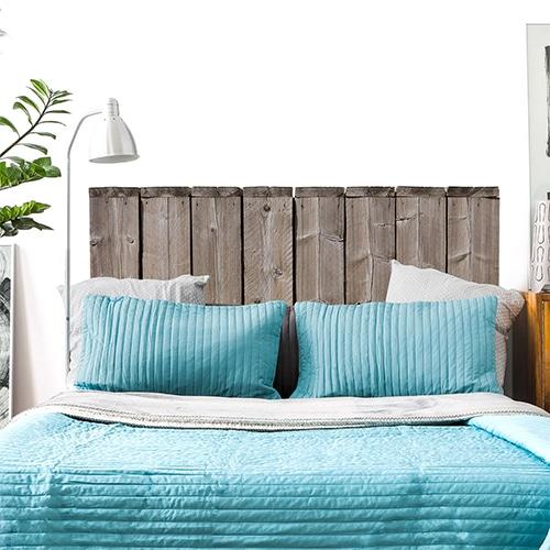 Sticker Bocage pour tête de lit mis en ambiance sur un mur blanc