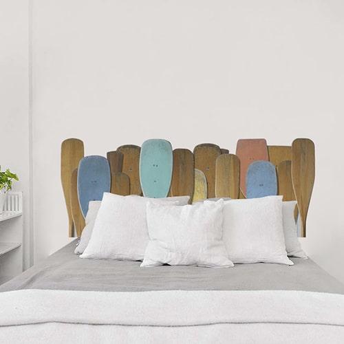 sticker tête de lit motifs rames de bateau sur mur clair