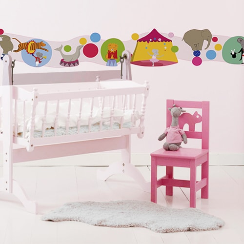Sticker Frise Cirque des Animaux Acrobabes lit et chaise roses