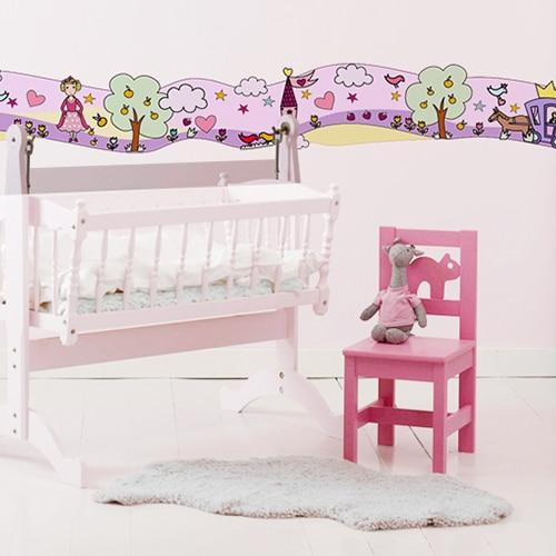 Sticker Frise Monde Enchanté Fées et Princesses avec lit et chaise roses