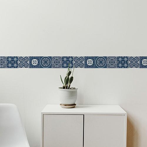 Sticker frise imitation carrelage design bleu avec cactus décoratif