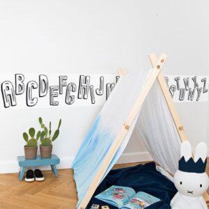 Stickers autocollants à colorier Frise alphabet mis en ambiance dans une salle de jeux pour enfants