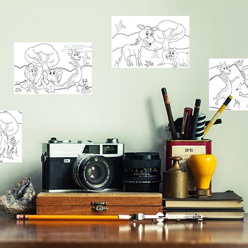 Stickers autocollants Animaux d'Afrique à colorier mis en ambiance dans un bureau
