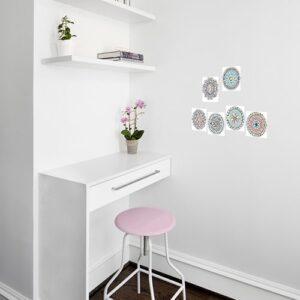 Stickers adhésif Mandala à colorier dans un bureau