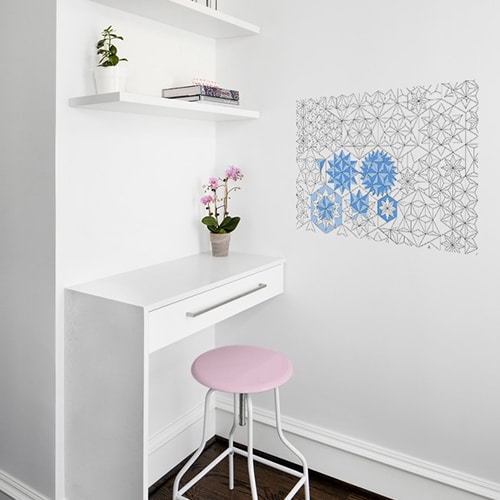 Sticker adhésif origami bleu mis en ambiance dans un bureau