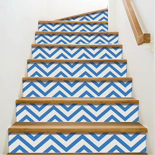 sticker autocollant chevrons bleus contremarche adh sive pour escaliers. Black Bedroom Furniture Sets. Home Design Ideas