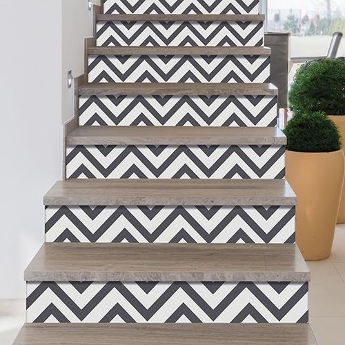 Sticker gris et blanc pour contremarches d'escalier