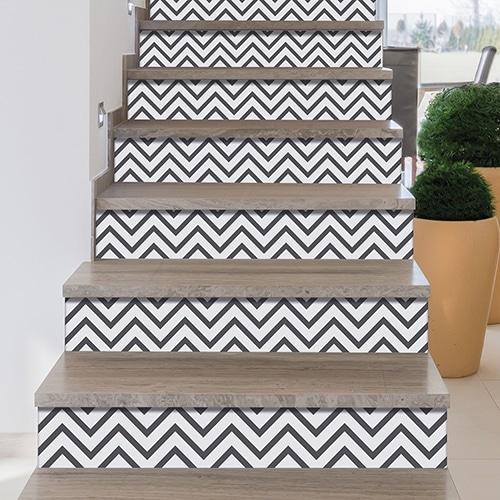 Sticker déco gris et blanc pour contremarches d'escalier