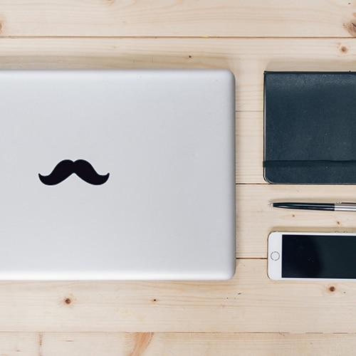 Sticker adhésif moustache