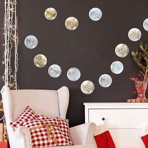 Adhésif boules de Noël à mettre dans un salon