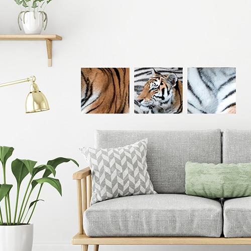 Décoration d'un salon avec un tigre en trois partie