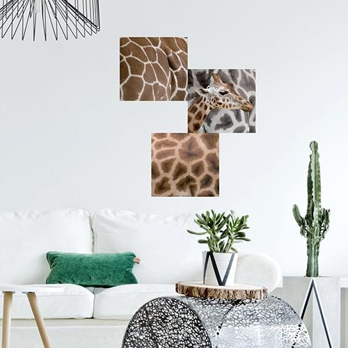 Sticker girafe déco dans un salon avec canapé