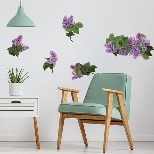 Stickers planches Lilas dans un salon avec un fauteuil vert