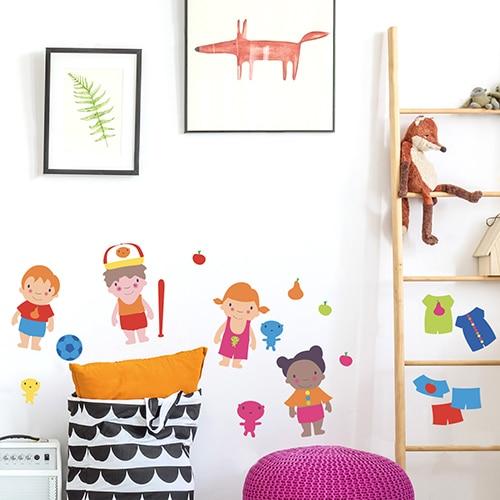 Sticker Personnages à Habiller dans une chambre d'enfant