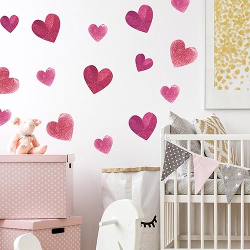 Lot de sticker adhésif de coeurs à coller sur un mur de chambre d'enfant