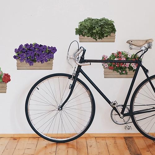 stickers adhésif de Fleurs au balcon à coté d'un vélo