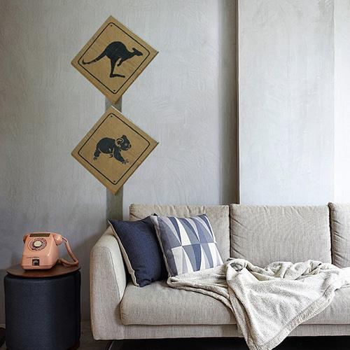 Sticker autocollant Signalisation Kangourous dans un salon gris