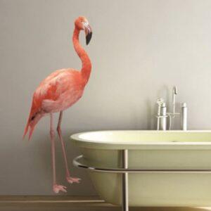 Sticker géant flamand rose dans une salle de bain déco