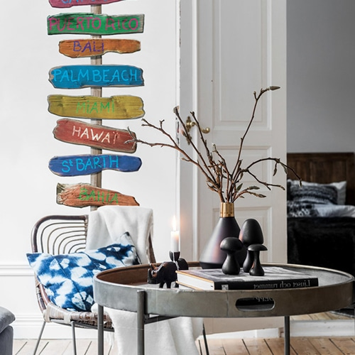 Stickers adhésif panneaux de signalisation dans un salon