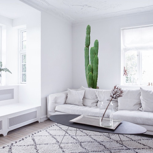 Sticker adhésif grand Cactus dans un salon blanc