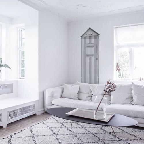 Autocollant mural Cabine de plage grise dans un salon blanc