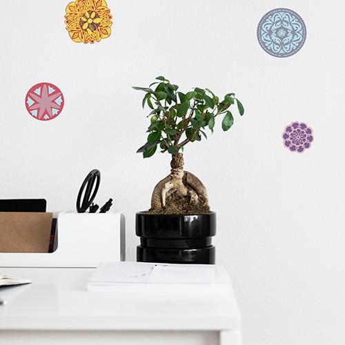 Adhésif Mandala au-dessus d'un bureau art&déco