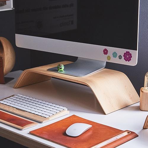 Mini stickers fleurs stylisées dans un bureau