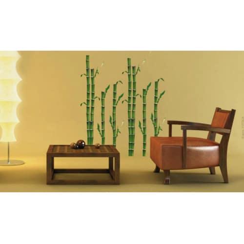 stickers Bambous dans une pièce à vivre avec fauteuil marron