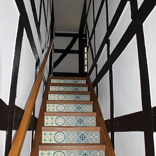 Motif italien autocollant bleu pour contremarches d'escaliers