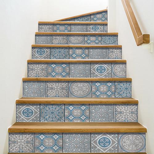 Modèle contremarches adhésives peristeri, des carreaux de ciment dans les escaliers