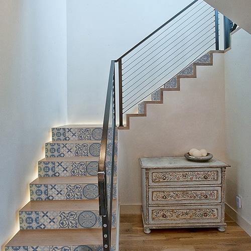 Un sticker décoratif Benistes pour des escaliers uniques