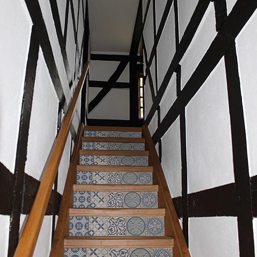 Un sticker autocollant Benistes pour des escaliers uniques