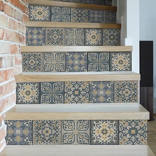 Sticker frise bleu vert et orange pour contremarches d'escalier