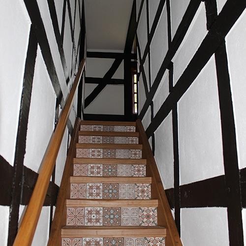 Sticker adhésif pour contremarches d'escalier en bois