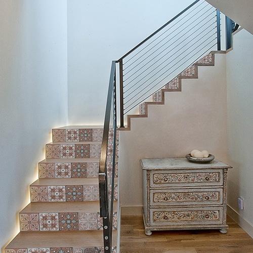 Sticker adhésif pour contremarches d'escalier en bois clair