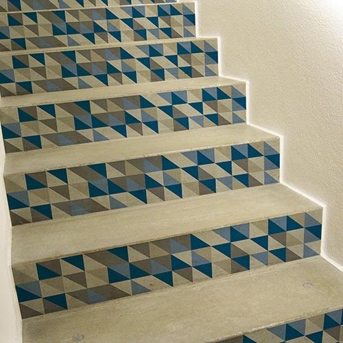 Sticker tendance gris et bleu pour contremarches d'escalier clair