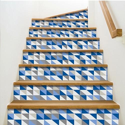 Sticker tendance gris et bleu pour contremarches d'escalier en bois moderne