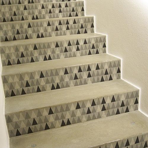 Sticker tendance gris blanc et noir pour contremarches d'escalier en bois