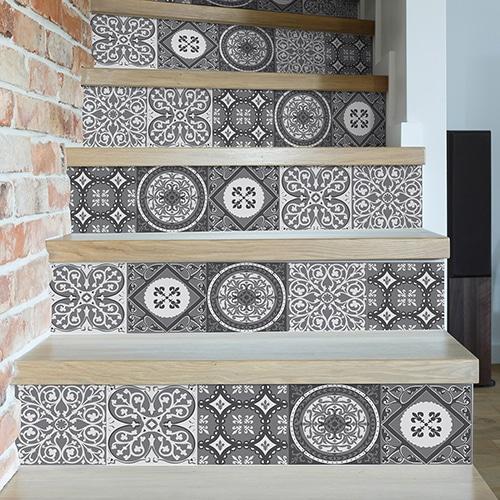 Sticker style mosaïque gris pour contremarches d'escalier