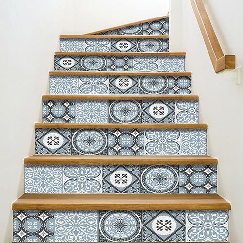 Sticker autocollant carreaux de ciment pour contremarches d'escalier noir bleu blanc