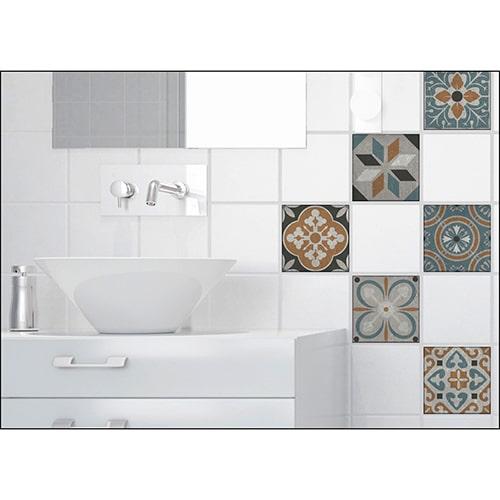 Sticker effet Carrelage Carreaux Ciment Vieillis Orange/Bleu dans une salle de bain